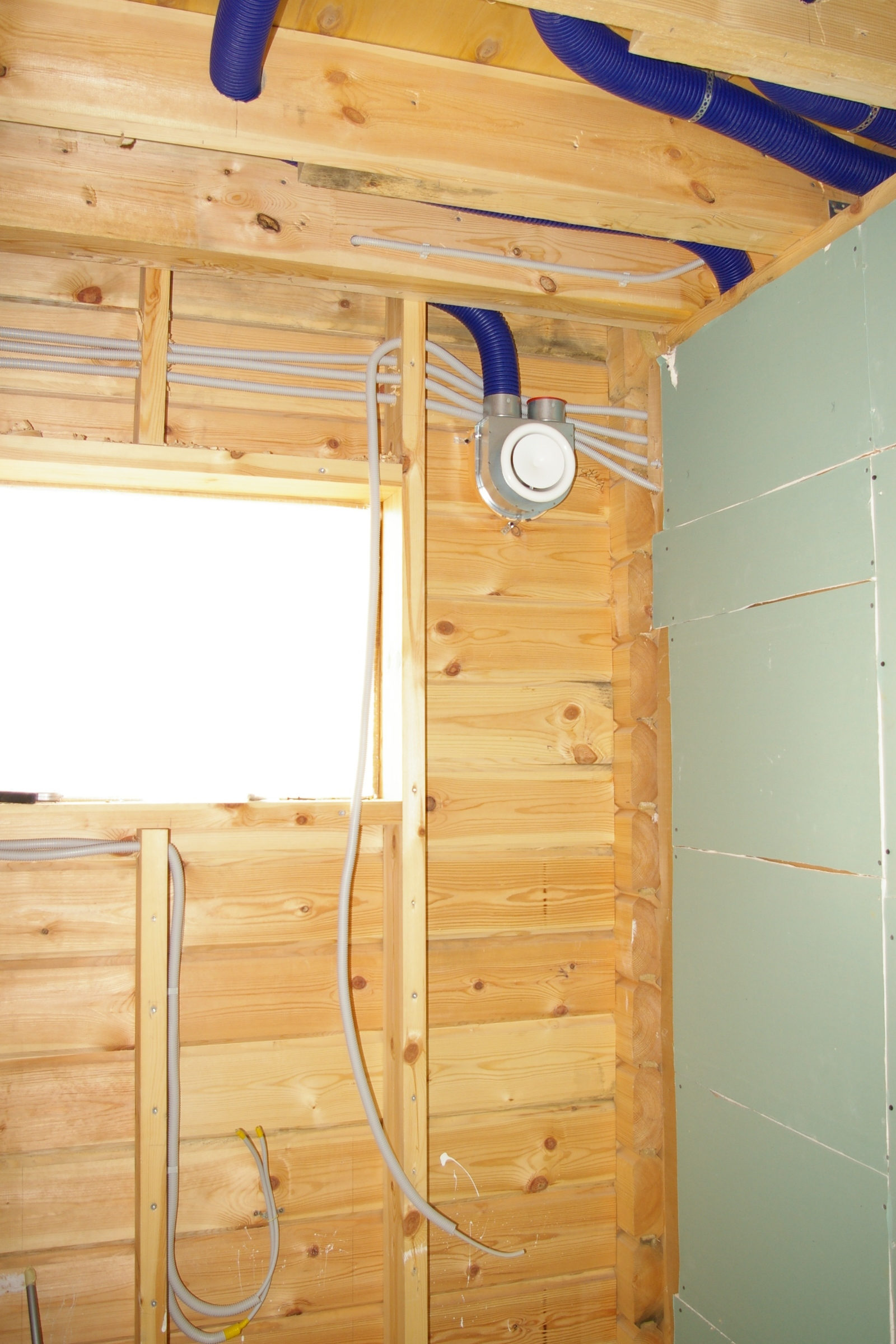 Вентиляция в дачном туалете своими 5